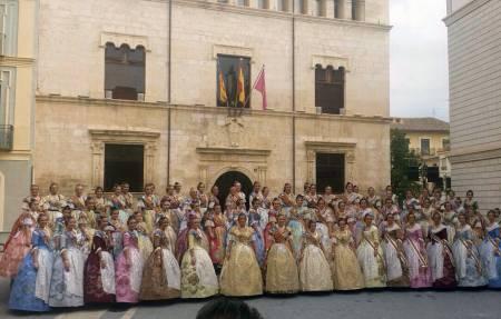 Patricia Burgos i Sonia Argilés participen en l'homenatge a les Falleres Majors de la Comunitat Valenciana 2014 en Alzira