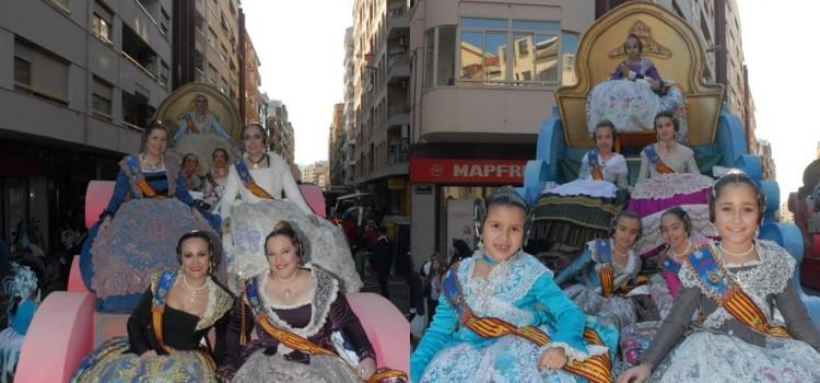 La cabalgata llena de color y alegría las calles de Sagunto