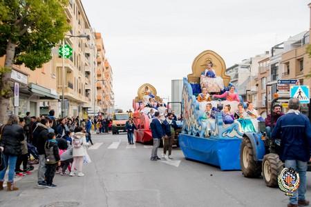 Las comisiones de Puerto de Sagunto celebran su cabalgata