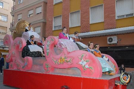 La segunda cabalgata de FJFS llena de color y música las calles de Sagunto
