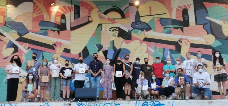 Presentación de llibrets a ritmo de rap y con graffitis