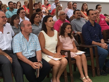 Les Falleres Majors acudeixen a la presentació del llibre oficial de les festes patronals