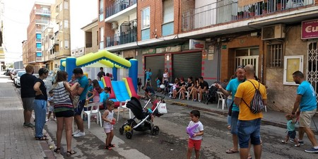 """Eduardo Merello celebra su XIII Mig Any con juegos infantiles, paellas y """"cremà"""""""