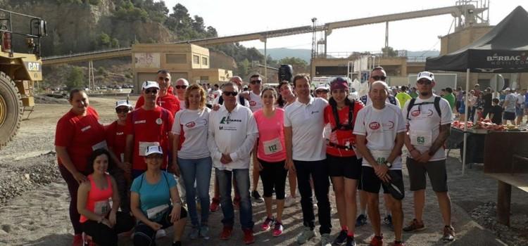 La AC Falla La Palmera participa en la VI carrera solidaria de LAFARGE en la cantera Salt del Llop en beneficio de AFACAM.