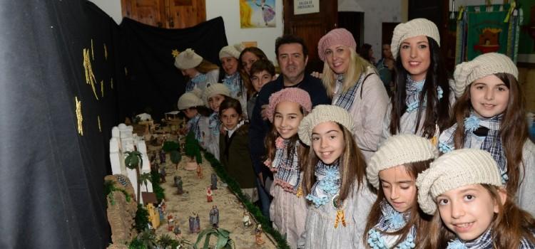 Los Reyes Magos visitan los casales falleros del Camp de Morvedre
