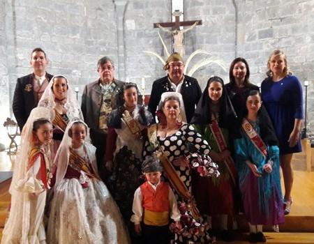 Les Falleres Majors, Beatriz Alós i Maria Villar present en la missa de Sant Jordi