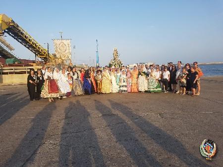 Mar Gimeno i Andrea Escribà acompañan a la Virgen del Carmen en su día grande